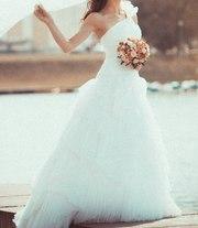 Фото без лица в свадебном платье