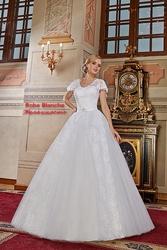 Новое свадебное платье из коллекции 2016